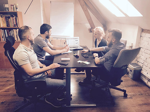 How To Make Use Of Weekly Design Meetings