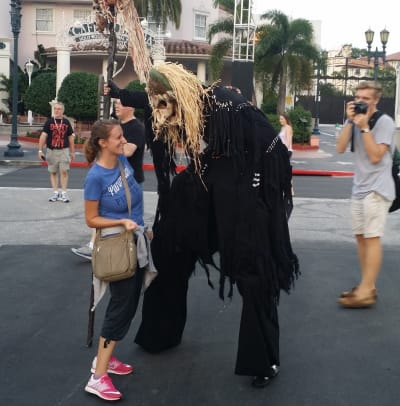 Halloween Horror Nights scare actor